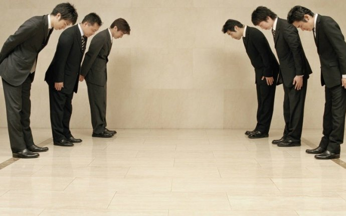 10 Japanese Business Etiquette Rules   All About Japan