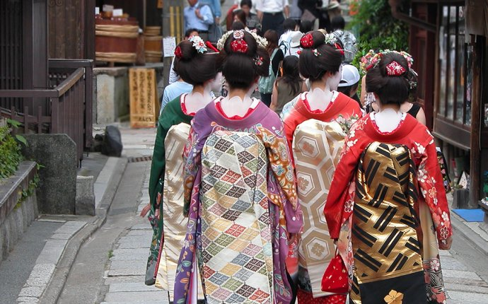 7 Japanese Customs You Need to Know | Vacation Now